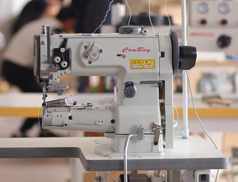 Best sewing machine for leather handbags and purses. Watch video on youtube  1e2aabe22009c